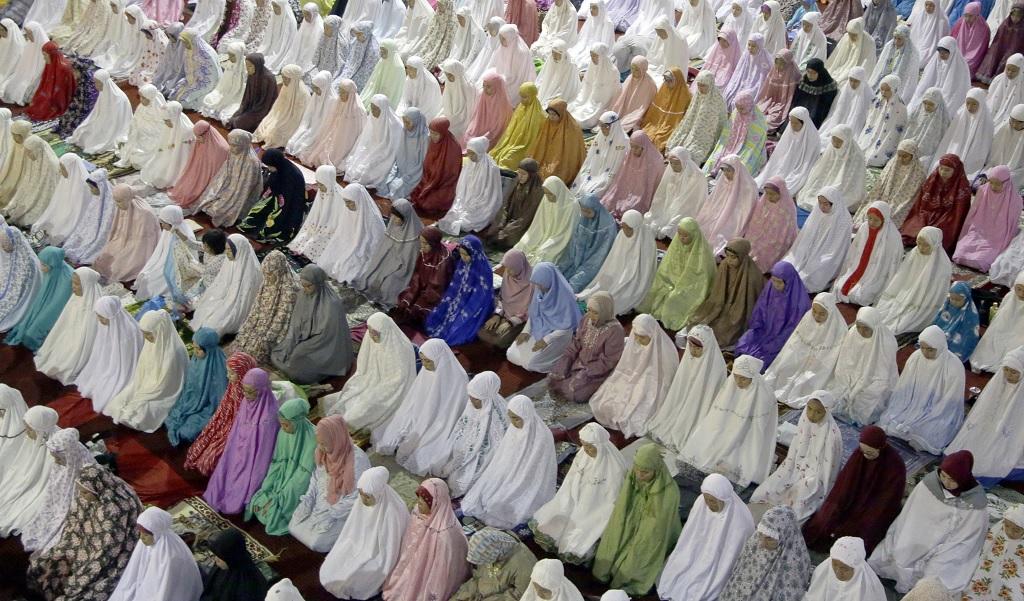 KEBANGKITAN ISLAM INDONESIA  BUKAN KARENA PLURALISME